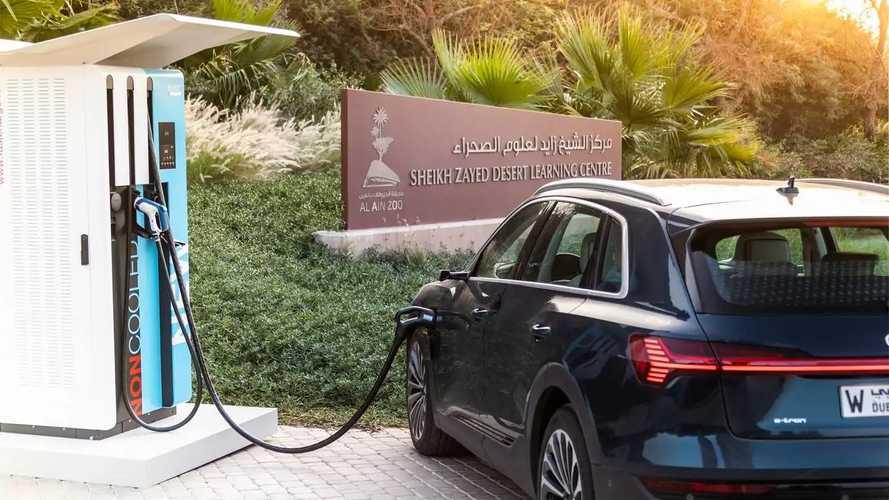 Audi e-tron, le prime foto ufficiali