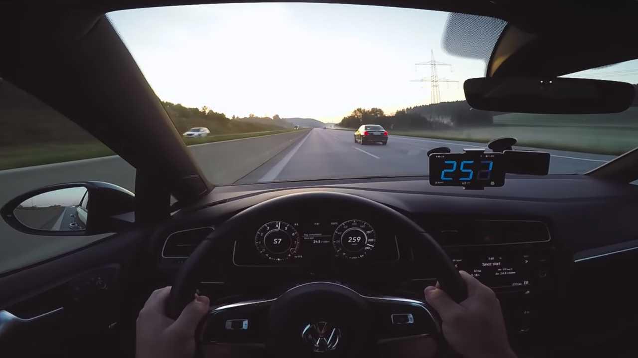 VW Golf GTI Performance on Autobahn