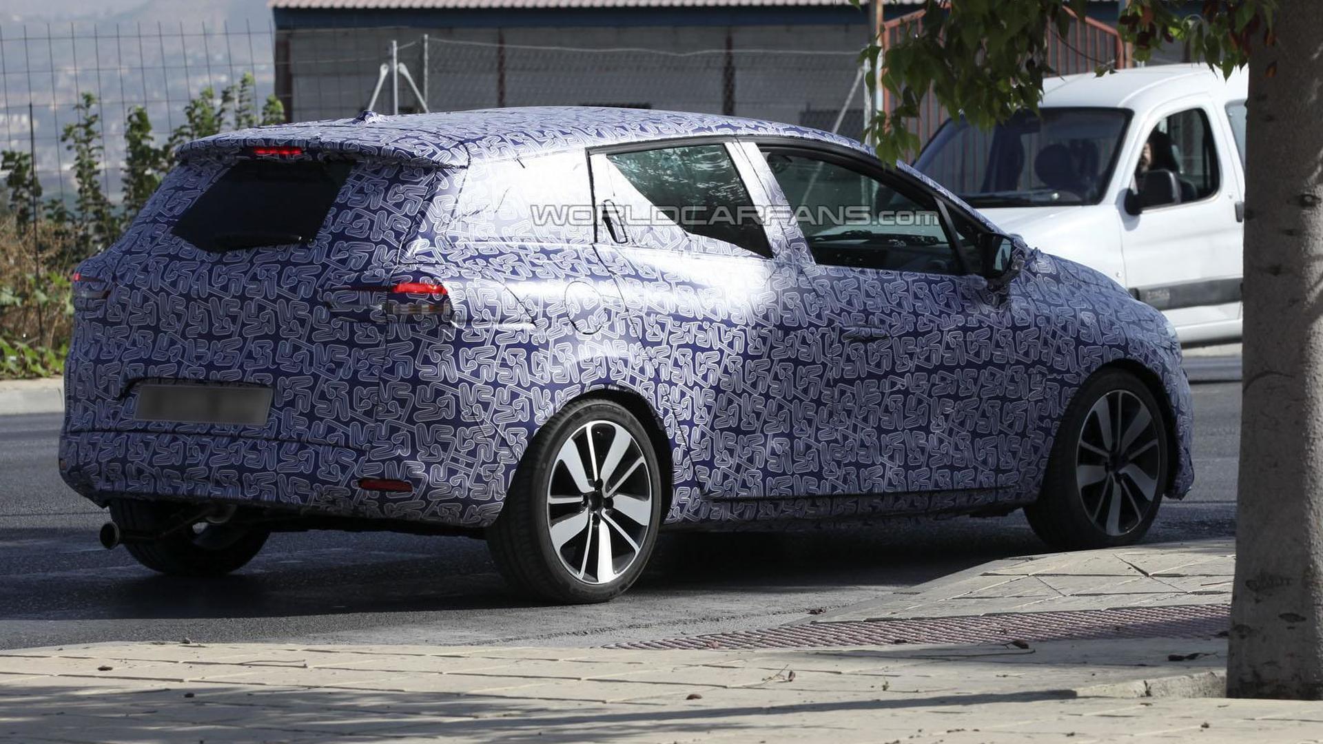 2013 Renault Clio Sports Tourer Spied