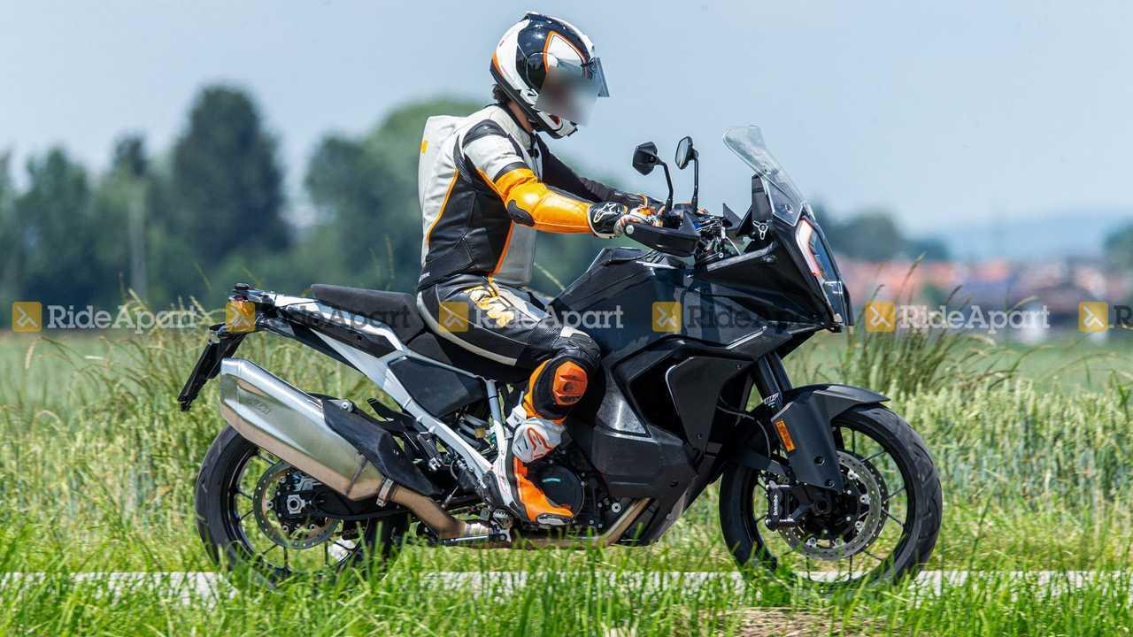 2021 KTM 1290 Super Adventure S Right Side