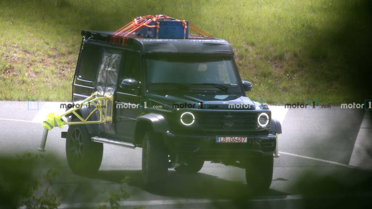 New Mercedes-Benz G550 4×4² spy photo