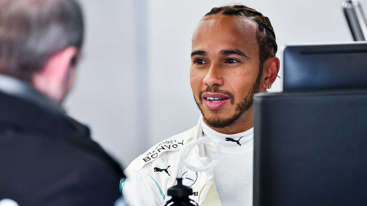 Lewis Hamilton, Mercedes-AMG Petronas F1 in the garage