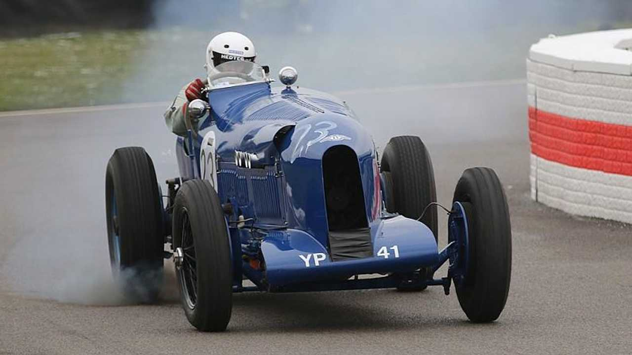Bentleys to star at Goodwood in new Members' Meeting race