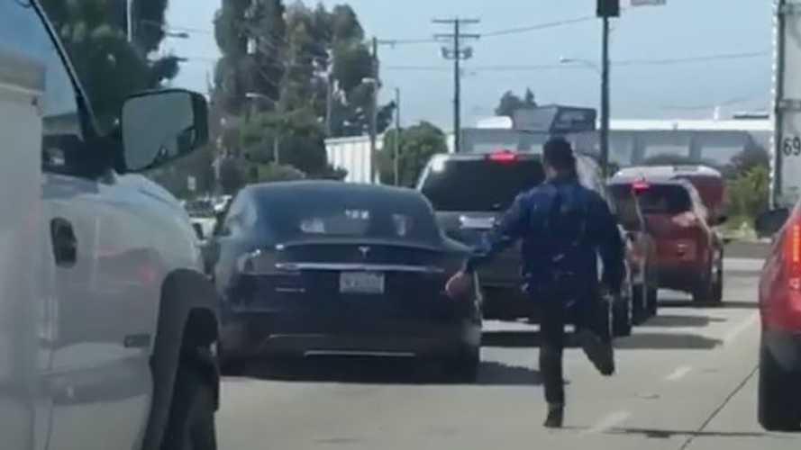 Dashcam Captures Tesla Model S, Chevy Camaro Road Rage Incident In California