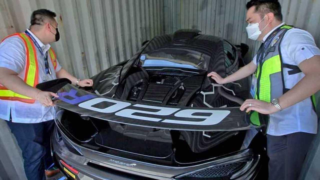 One Of 350 McLaren 620R Smuggled Into Manila
