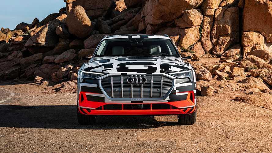 Audi лишила кроссовер e-tron электромотора