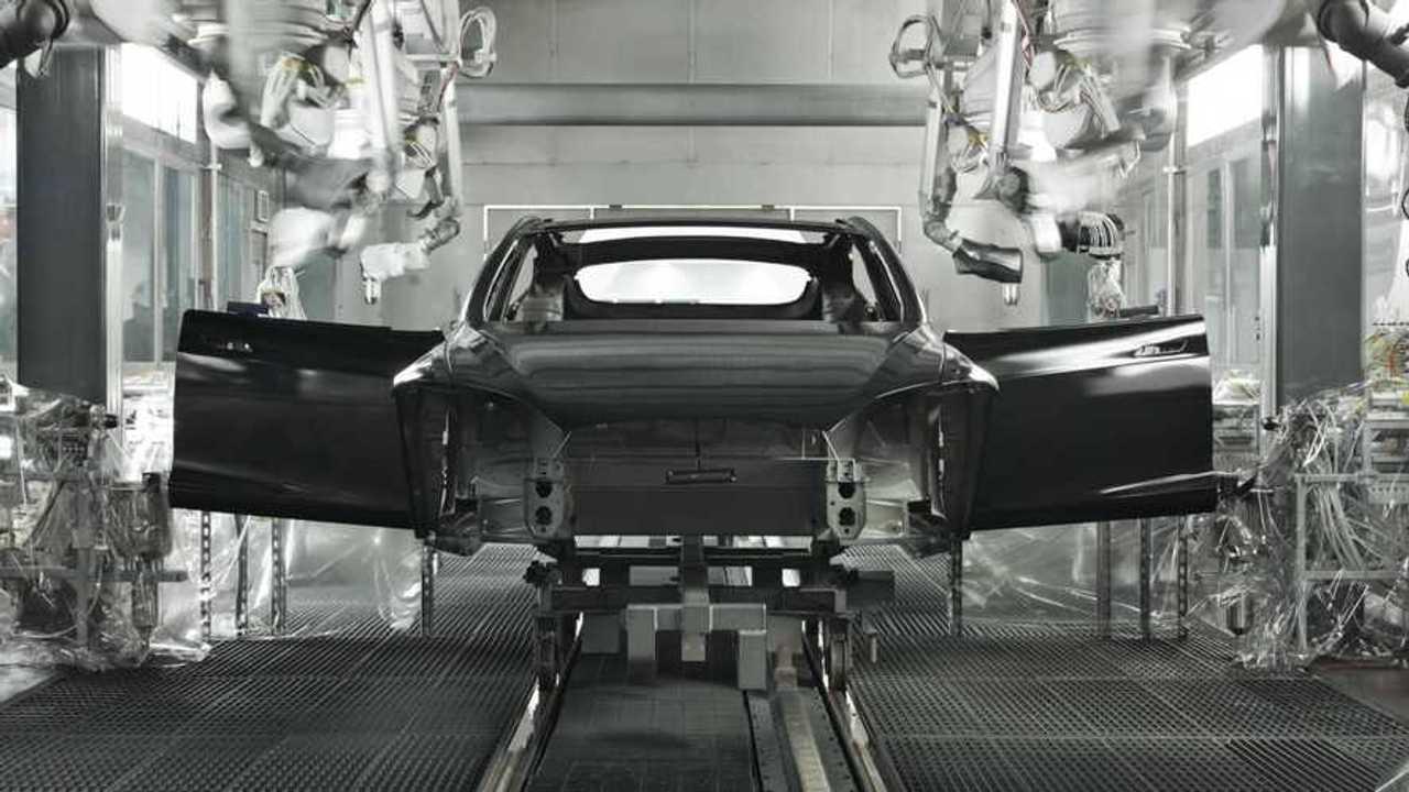 Porsche и Audi доработают новую платформу для электрокаров после разборки Tesla Model 3