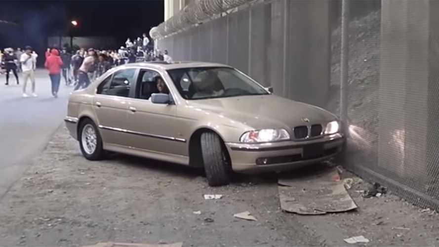 Nagyot akart villantani egy BMW-sofőr, nem jött össze neki