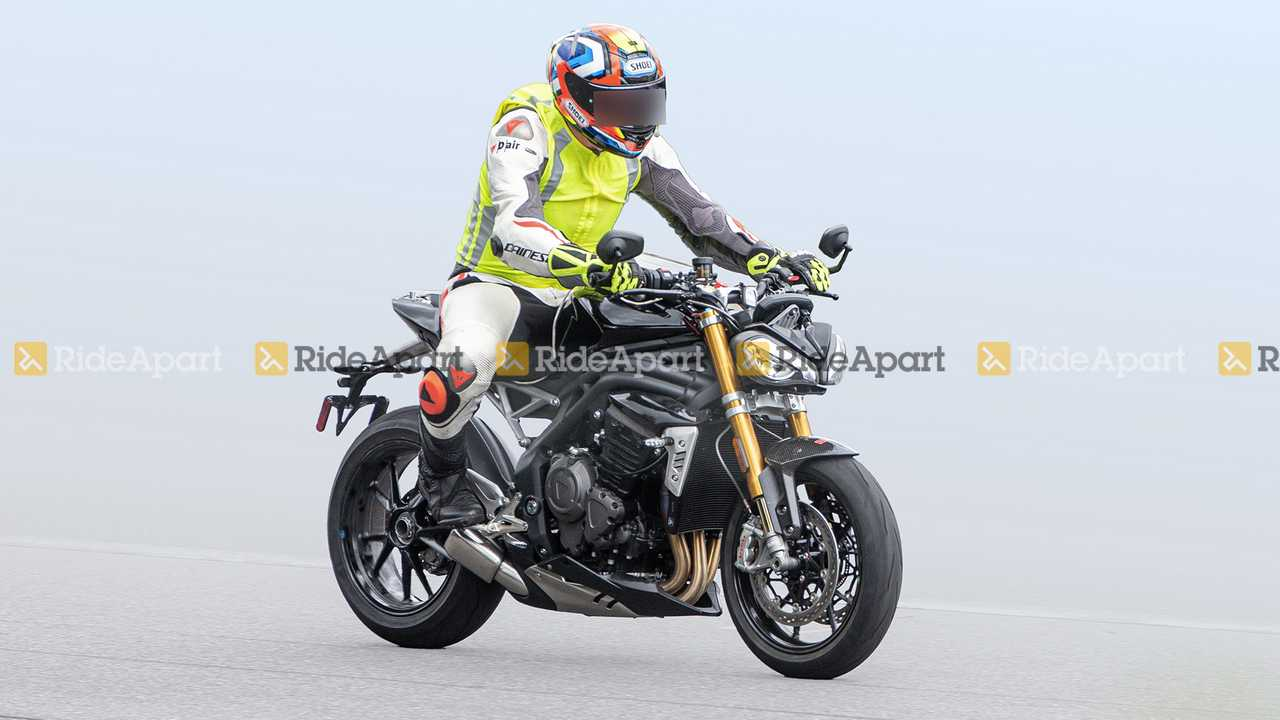 Spotted: New Triumph Speed Triple Spy Shots