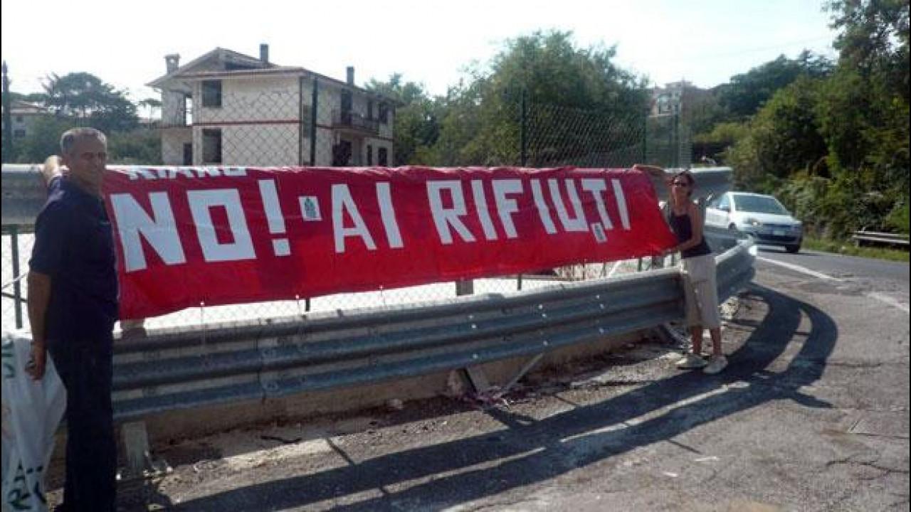 [Copertina] - Roma, discarica a Pian dell'Olmo: per la protesta è blocco del traffico