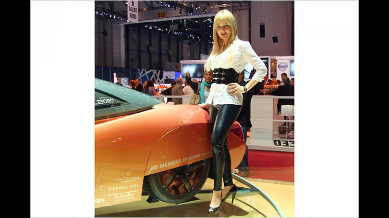 Bei Autos wie bei Damen: Manche Beinkleider verhüllen mehr, als sie zeigen