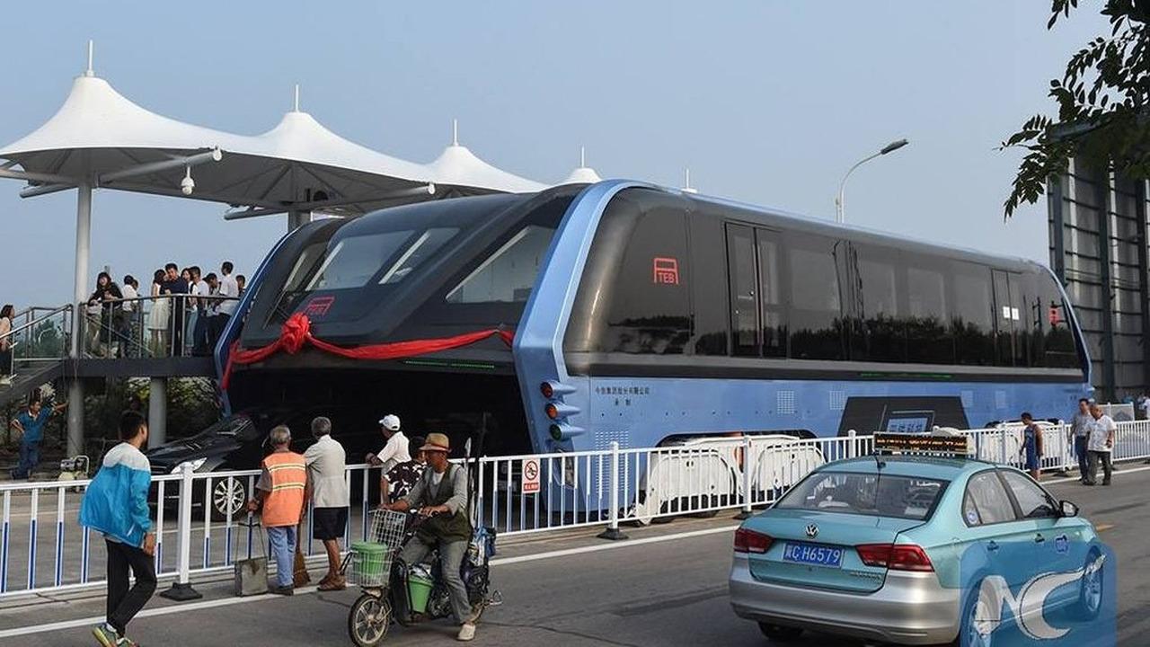 Transit Elevated Bus