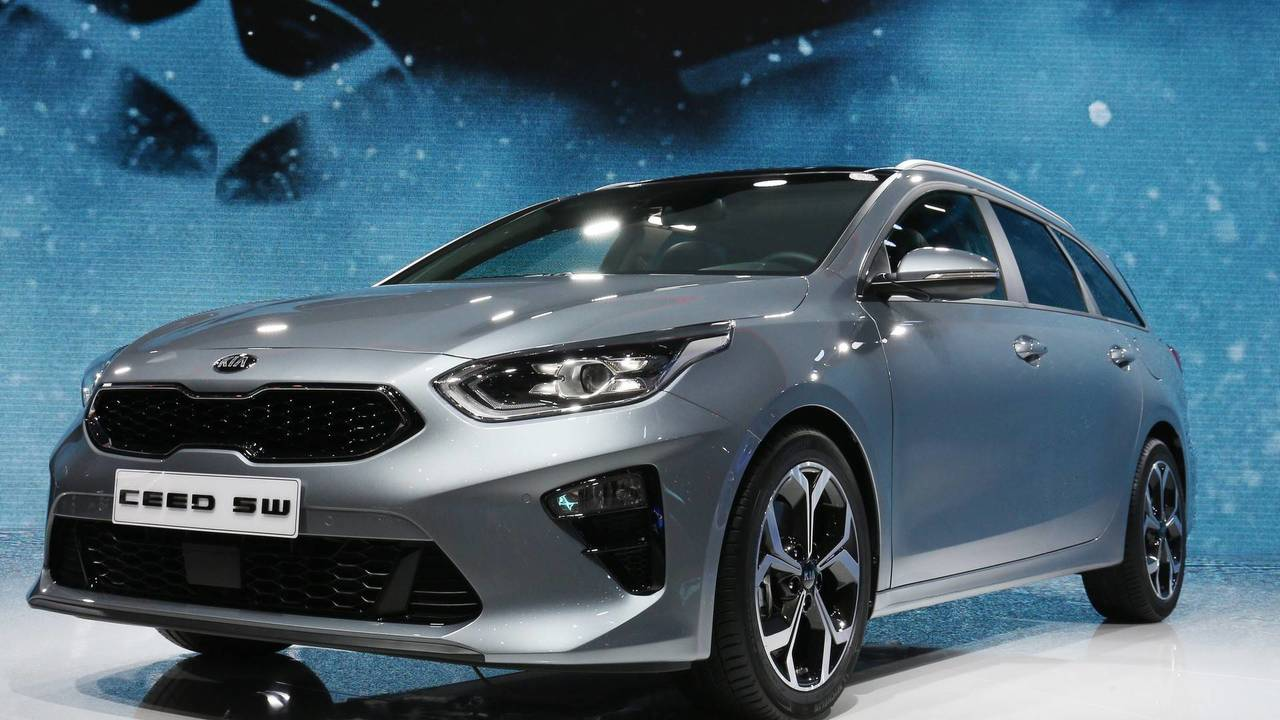 2018 kia ceed sportswagon arrives in geneva with massive trunk. Black Bedroom Furniture Sets. Home Design Ideas