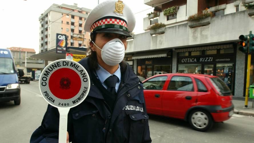 Milano, dal 2030 stop a diesel e benzina