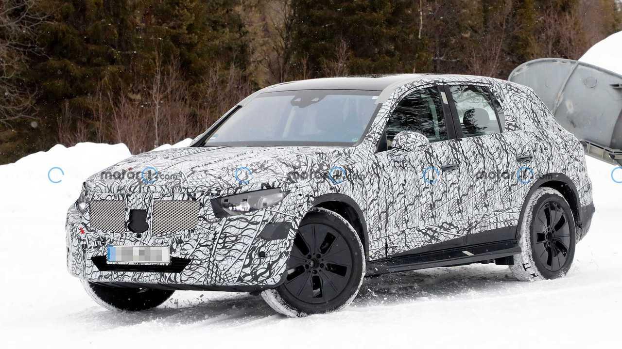 Die nächste Generation des Mercedes GLC wurde bei Wintertests erwischt