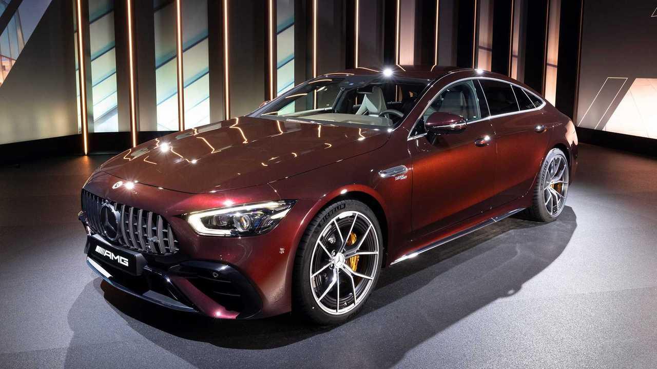 Mit einem kleinen Facelift erhält der Mercedes-AMG 4-Türer auch eine neue Special Edition