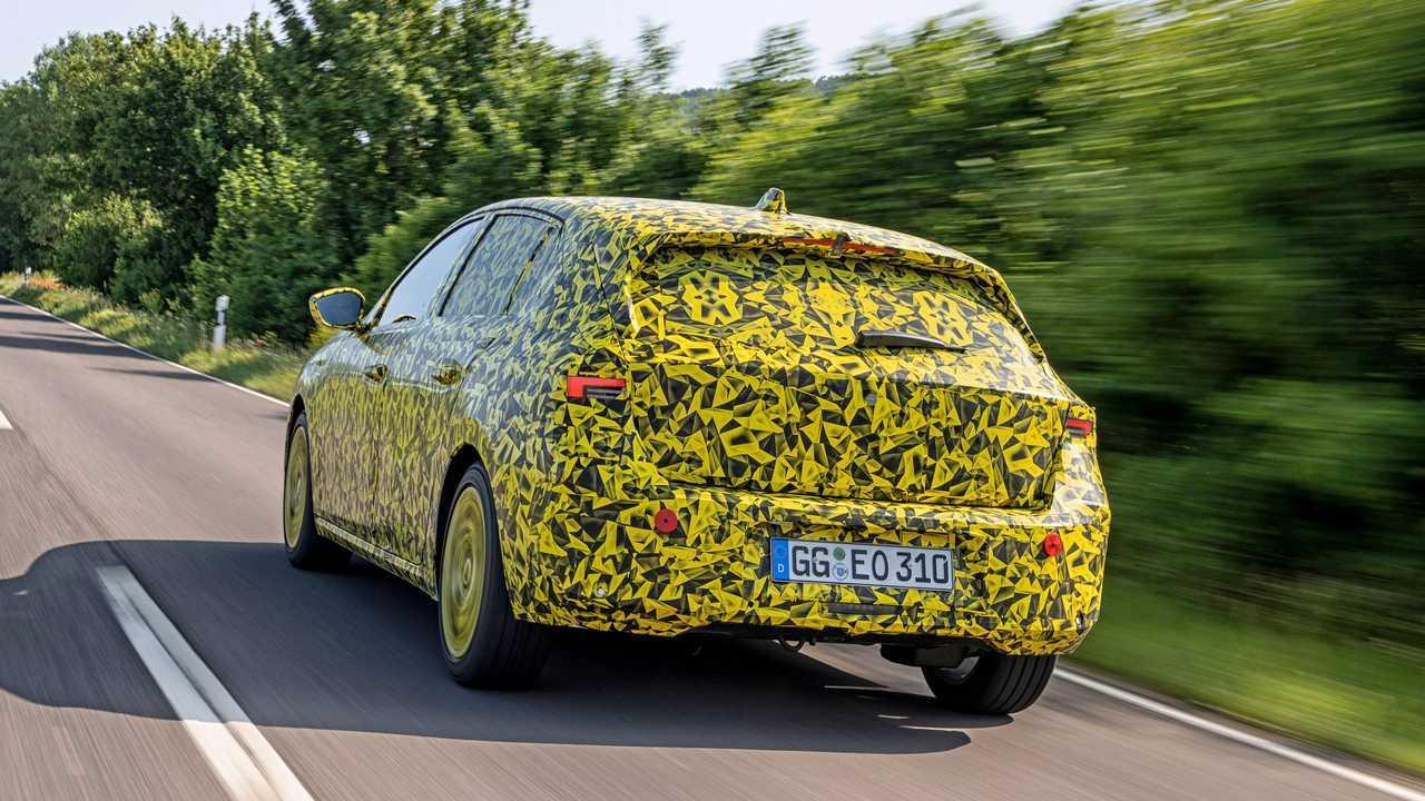 Nuova Opel Astra, la prova in anteprima del prototipo