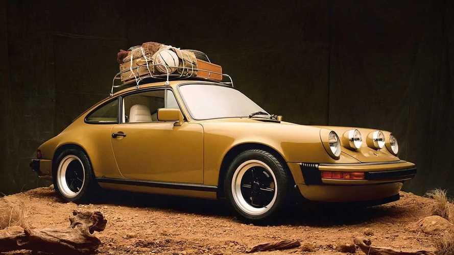 Disfruta del impresionante Aimé Leon Dore Porsche 911 SC