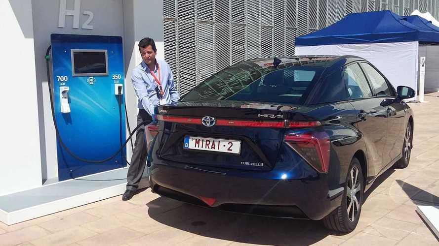 Toyota testa carro com motor 1.6 turbo que queima hidrogênio
