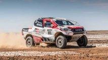 Fernando Alonso prova il Toyota Hilux Dakar