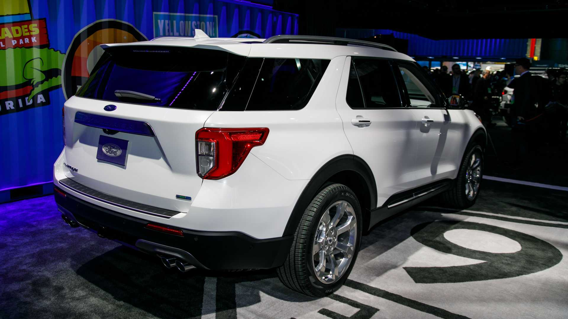 2020 ford explorer xlt pictures