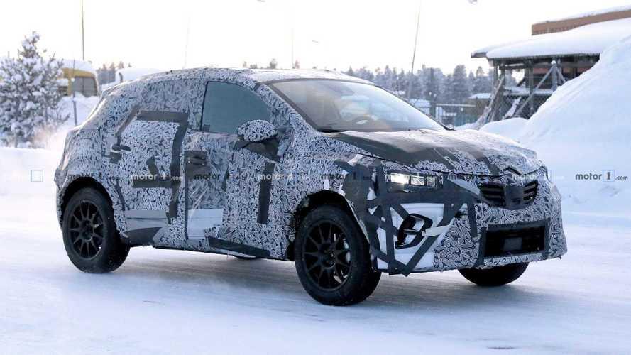 Nuova Renault Captur, prove generali sulla neve