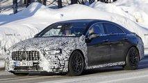 Neuer Mercedes-AMG CLA 45 mit weniger Tarnung erwischt
