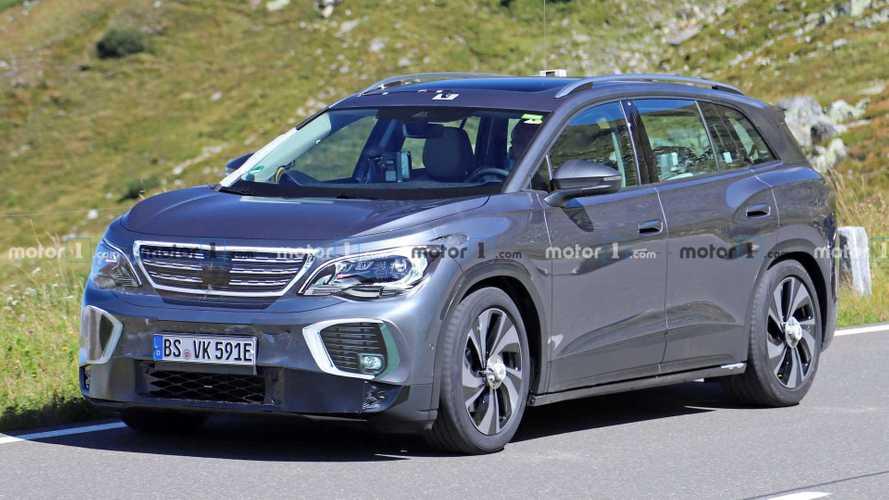 Volkswagen ID.6 (2021) zeigt sich erstmals mit Serienkarosserie