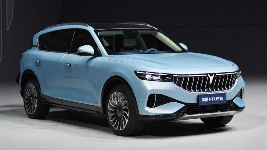SUV de luxo em versões elétrica e híbrida estreia com até 680 cv de potência