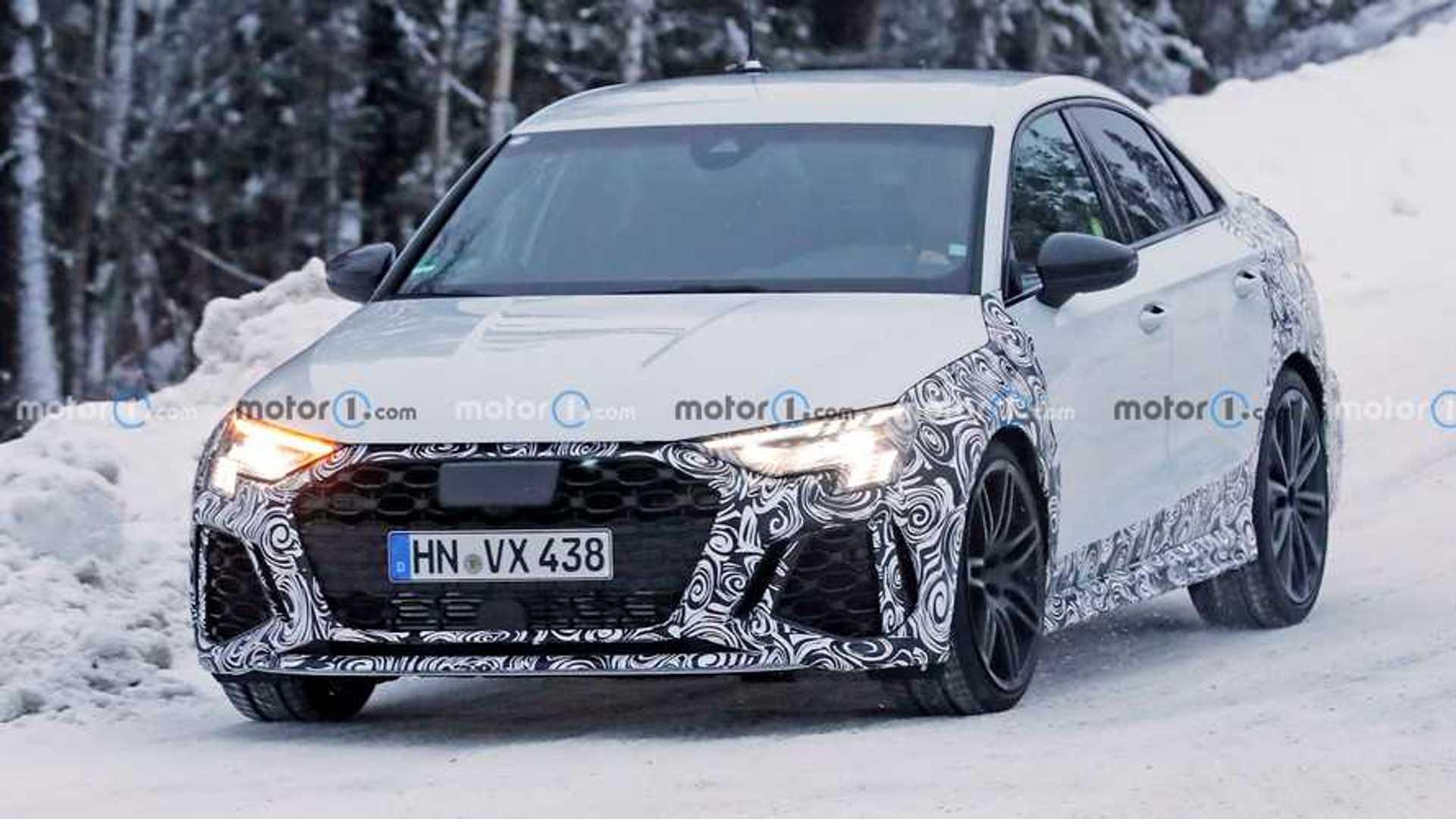 Новый седан Audi RS3 шпионил за работой Quattro во время снежных испытаний