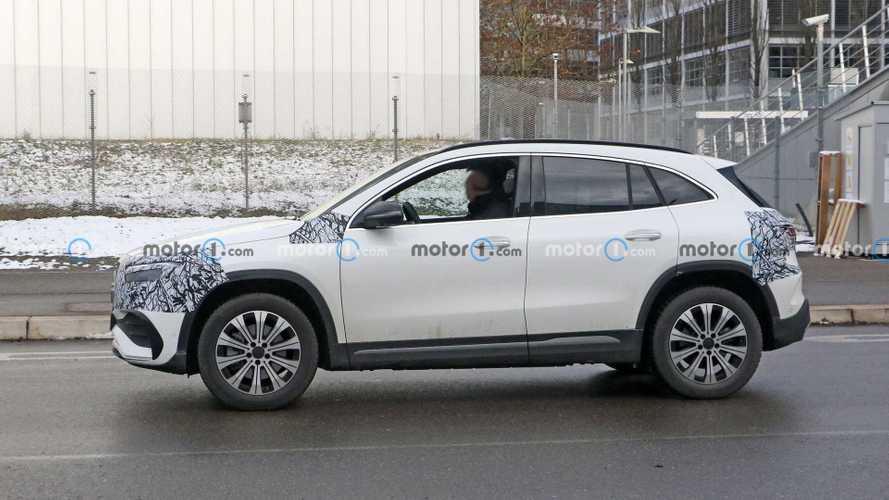 Mercedes-Benz EQA, nuevas fotos espía