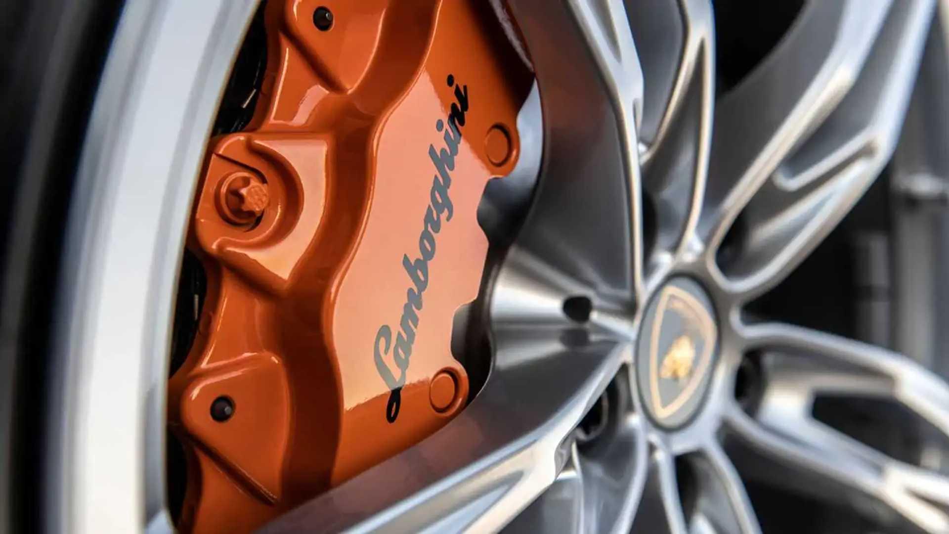 2020 Lamborghini Huracan Evo RWD brake caliper