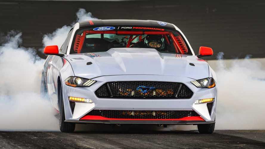 Ford сделает Mustang электрокаром. Но только в 2028 году