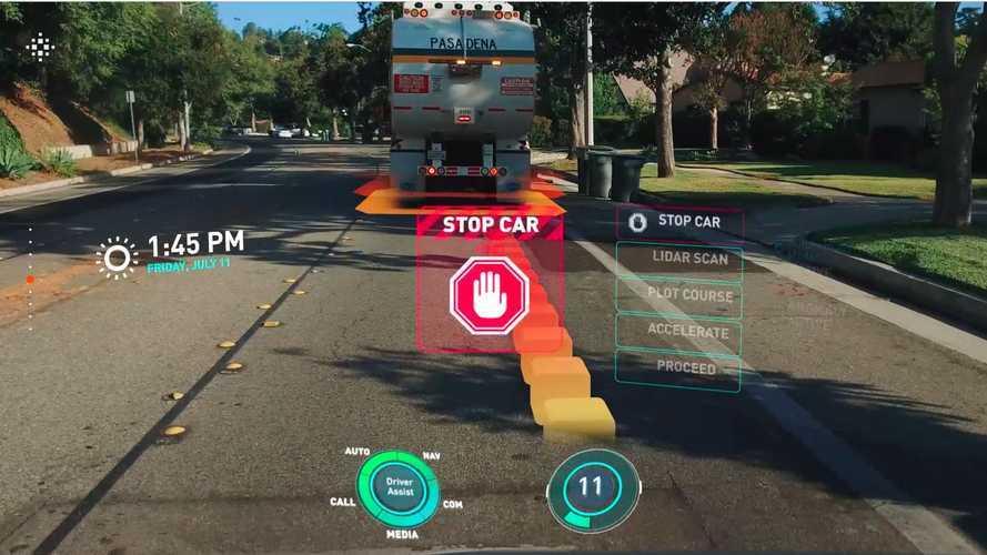 Cadillac Lyriq получит невероятную систему проекции на лобовое стекло