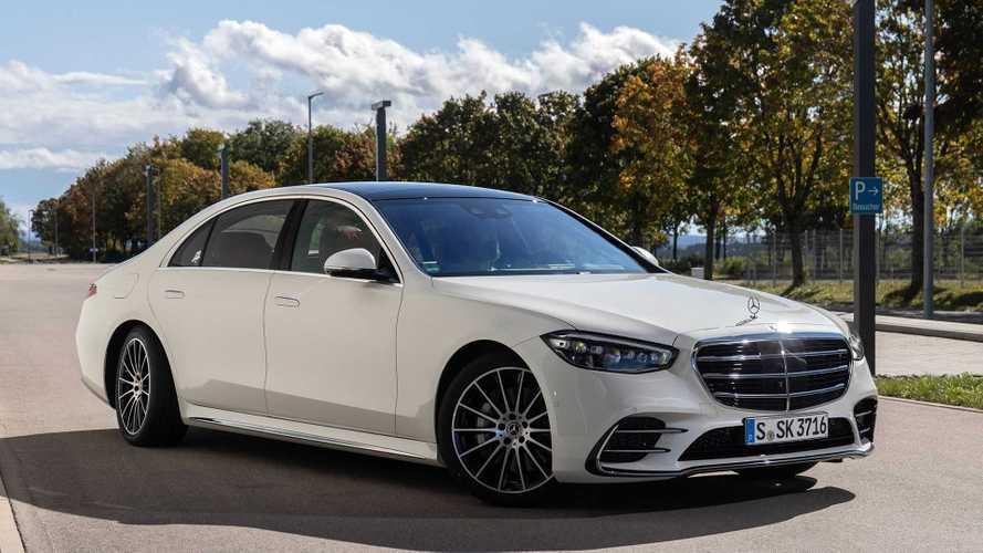 В России уже продают Mercedes-Benz S-класс нового поколения с пробегом