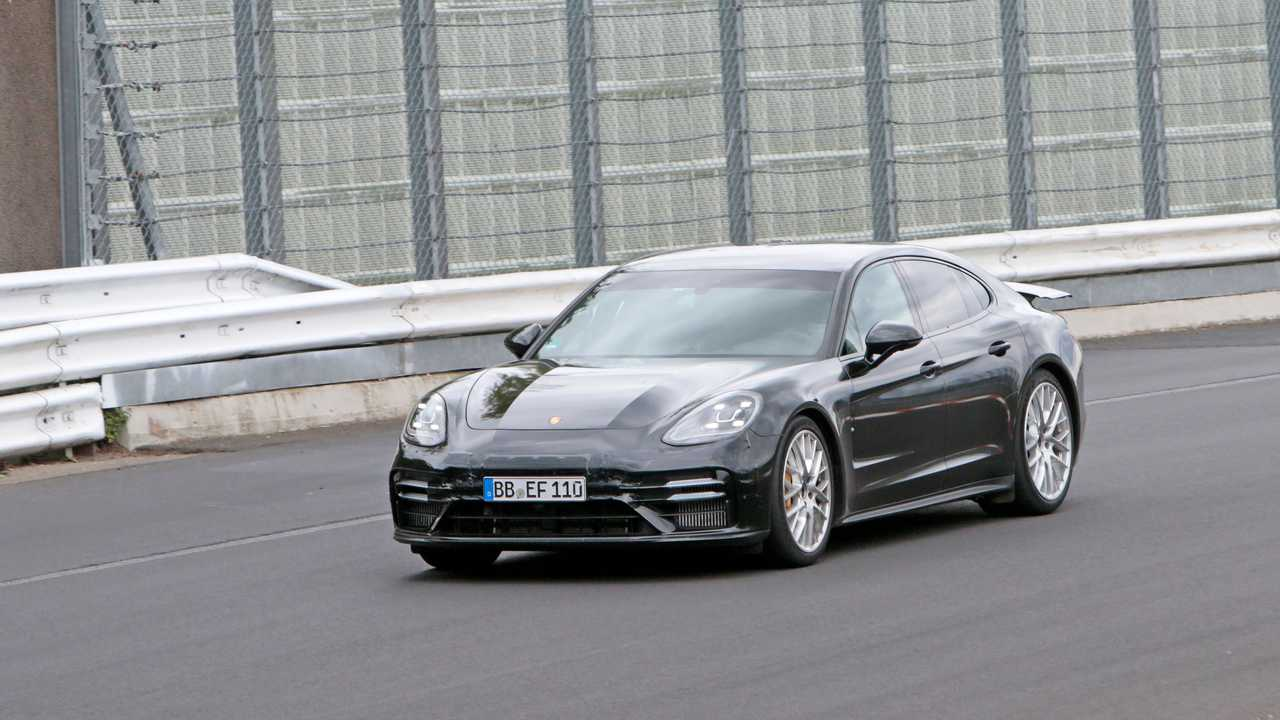 Porsche Panamera Lion Nurburgring Run