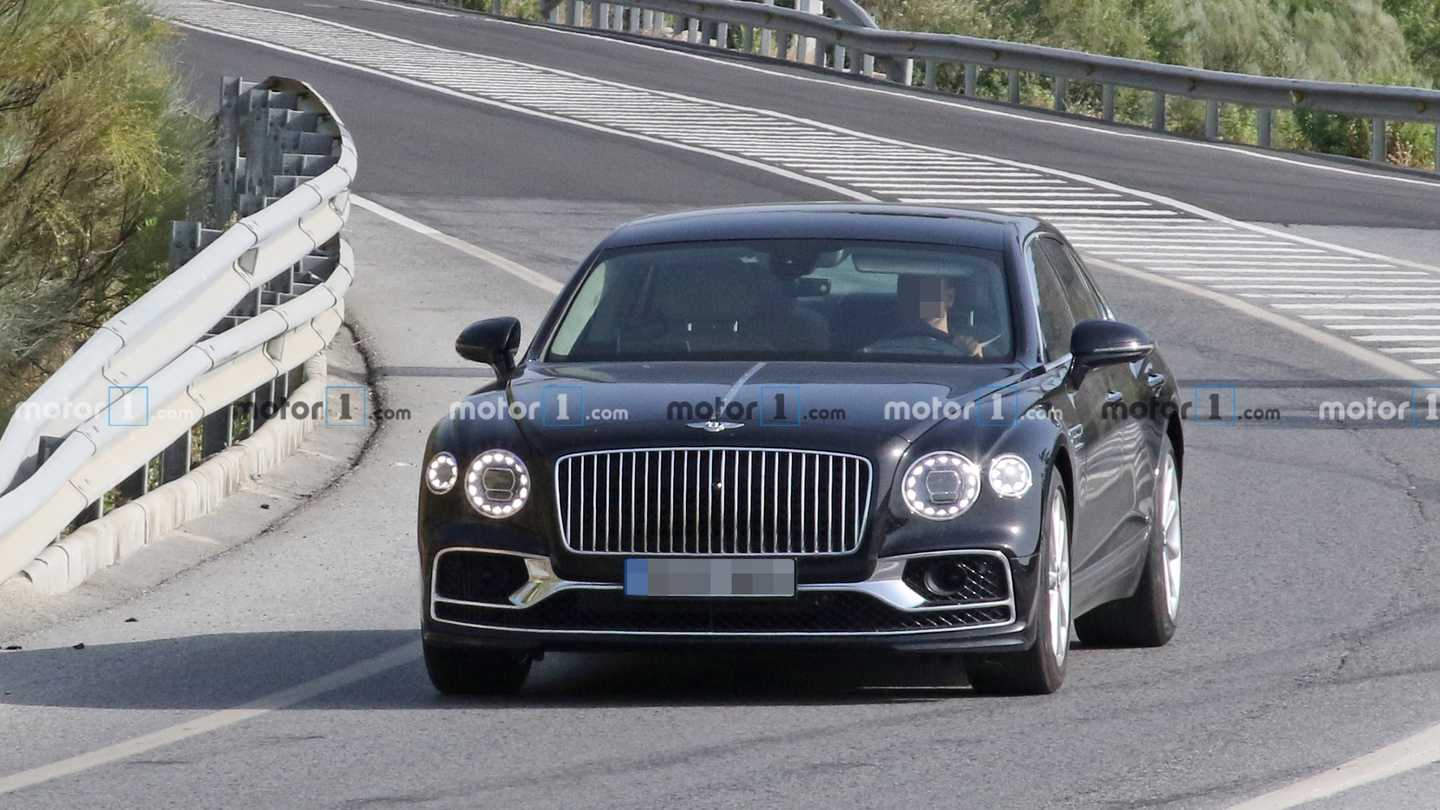 Possible Bentley Flying Spur Speed spy photo
