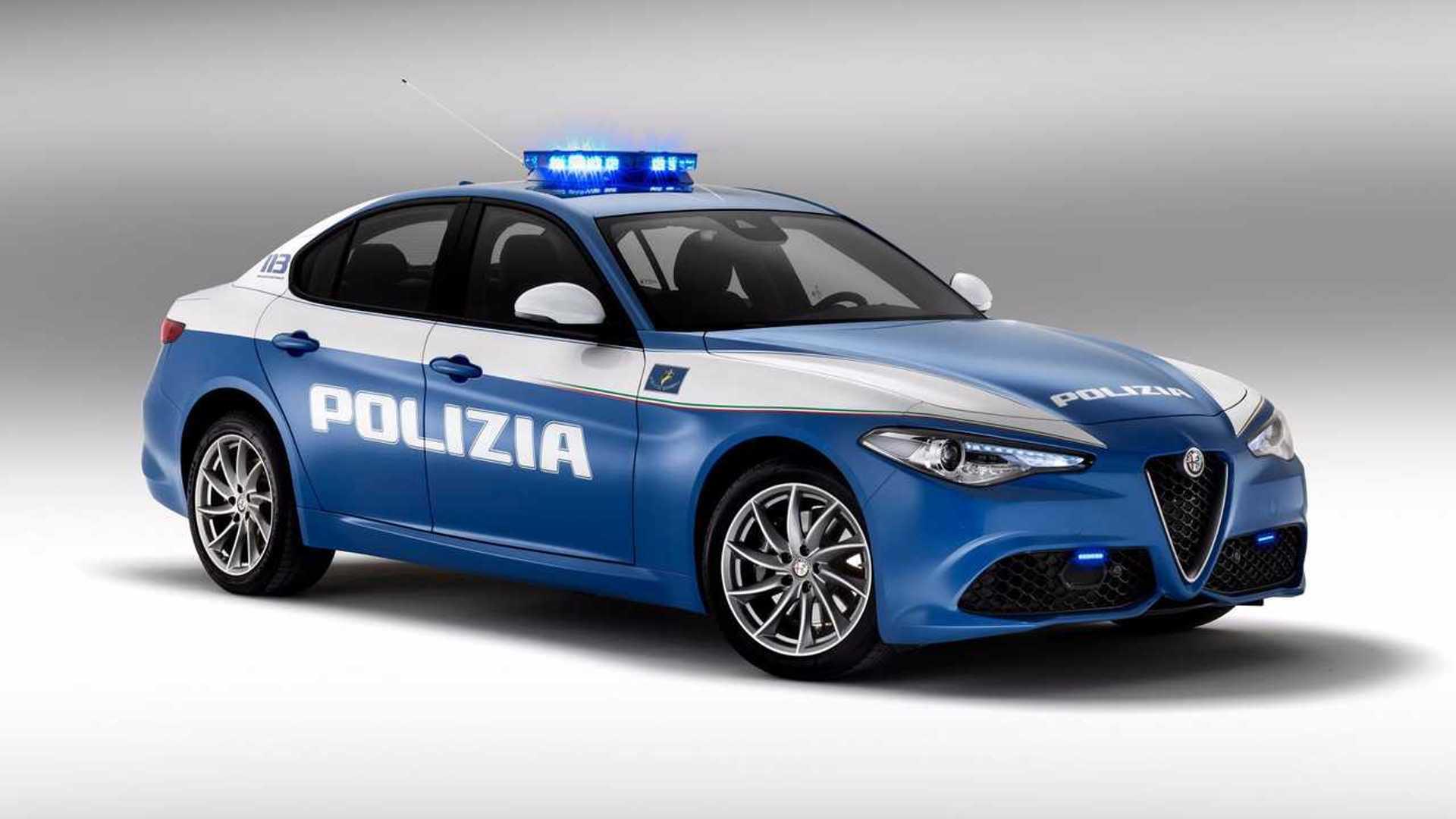 Le Auto Della Polizia Di Stato Ecco Tutte Le Volanti In Servizio