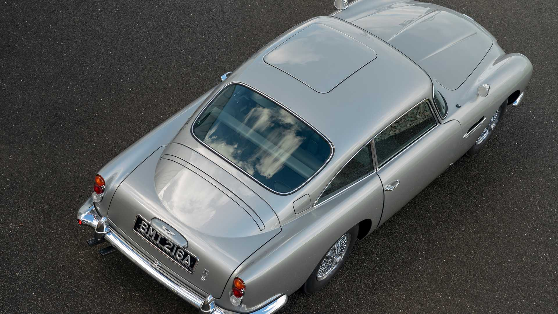 [Actualité] Aston Martin : From Britain with love - Page 6 First-aston-martin-db5-goldfinger-continuation-car