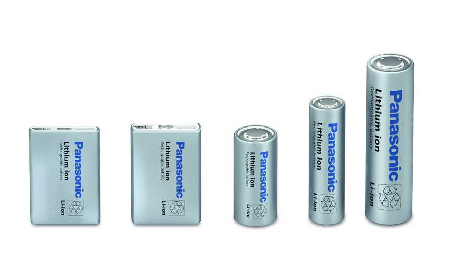 Panasonic promete fornecer à Tesla baterias com densidade 20% maior