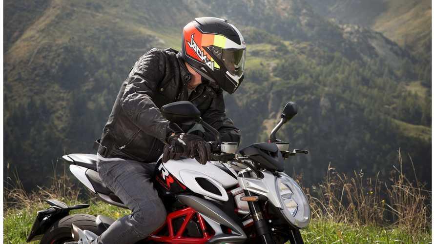 """Caberg Jackal, il nuovo casco integrale """"Gran Turismo"""""""
