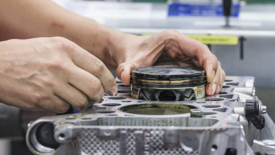 Porsche présente des pistons fabriqués grâce à une imprimante 3D