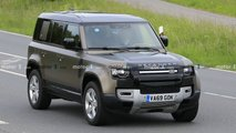 Land Rover Defender V8 bei Tests erwischt