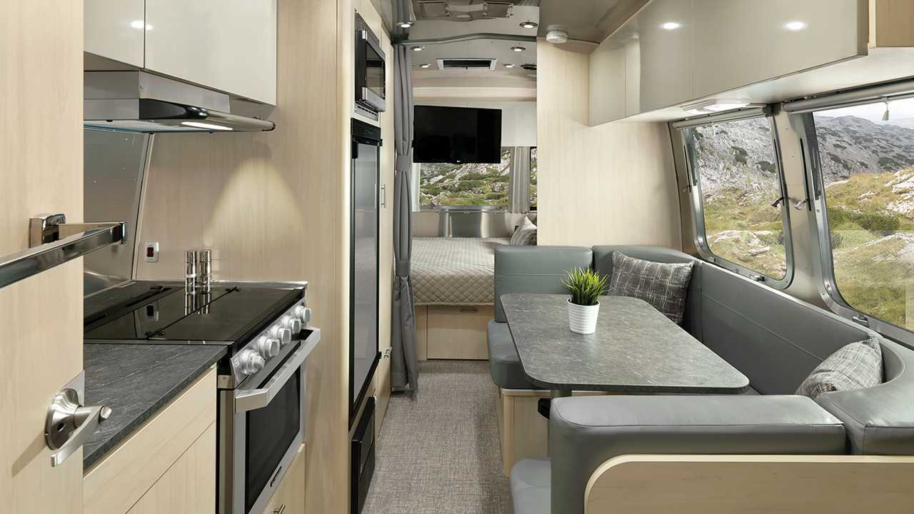 Airstream 2020 Flying Cloud