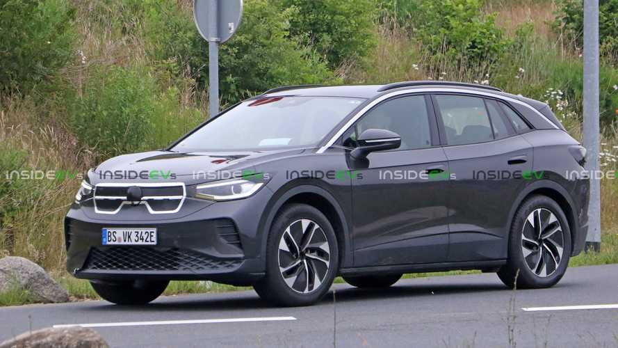 Volkswagen Still Testing ID.4 Electric Crossover: Now Under New Disguise