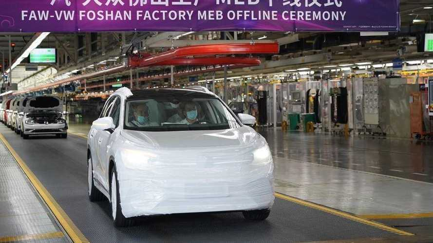 Volkswagen reveals production version of ID. Roomzz in China