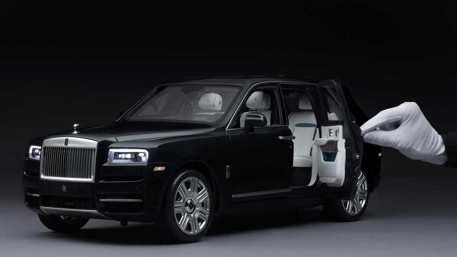 Rolls-Royce уменьшил свой кроссовер в 8 раз