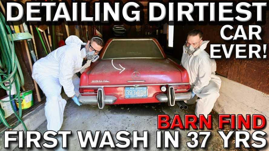 Videó: 37 év után először mosták le ezt a garázsban hagyott Mercedes-Benz 280 SL-t