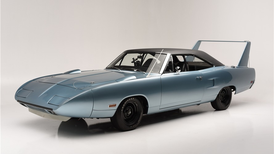EPA'nın sahip olduğu 1970 Plymouth Superbird müzayedeye çıkıyor
