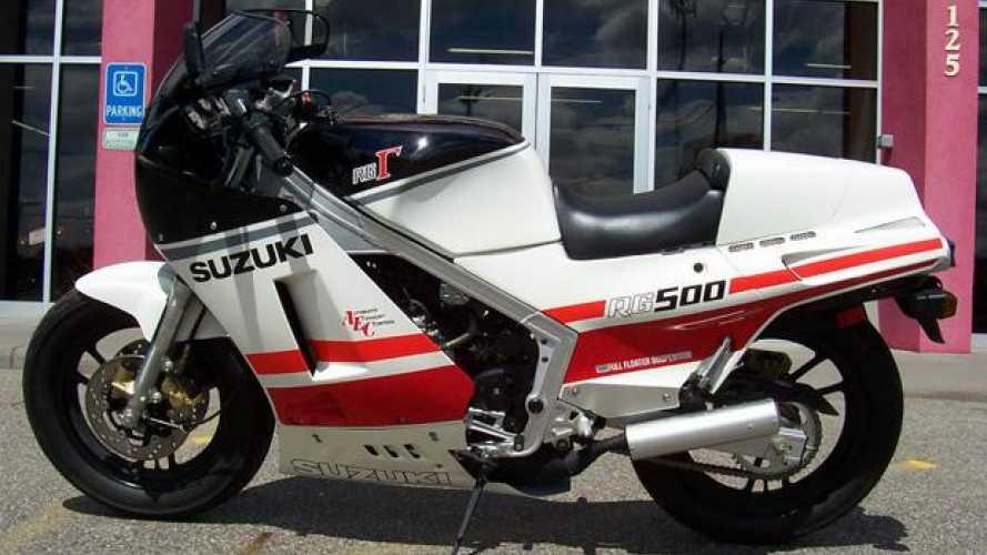 Una Suzuki RG Gamma 500 con 30 chilometri su ebay